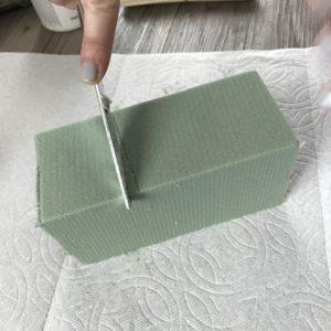 cutting dry floral foam